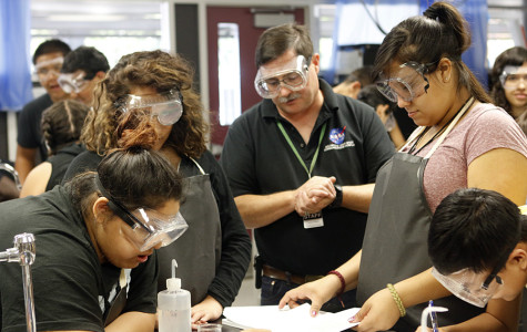 WEEKLY GALLERY: Chemistry students conduct their first lab of the year