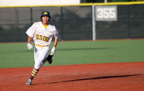 Baseball catches a win against Edison