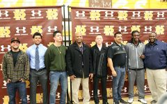 WEEKLY GALLERY: Football players sign