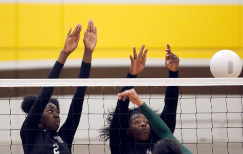 Varsity volleyball beats Grace Davis