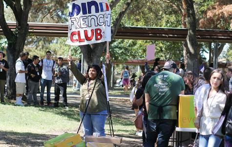 WEEKLY GALLERY: Club Rush attracts a crowd