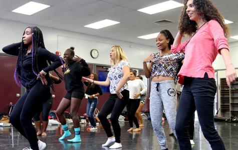 WEEKLY GALLERY: 'On Wednesdays' we dance
