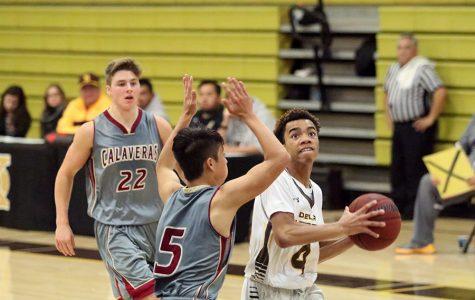 WEEKLY GALLERY: Preseason boys basketball game brings the hype