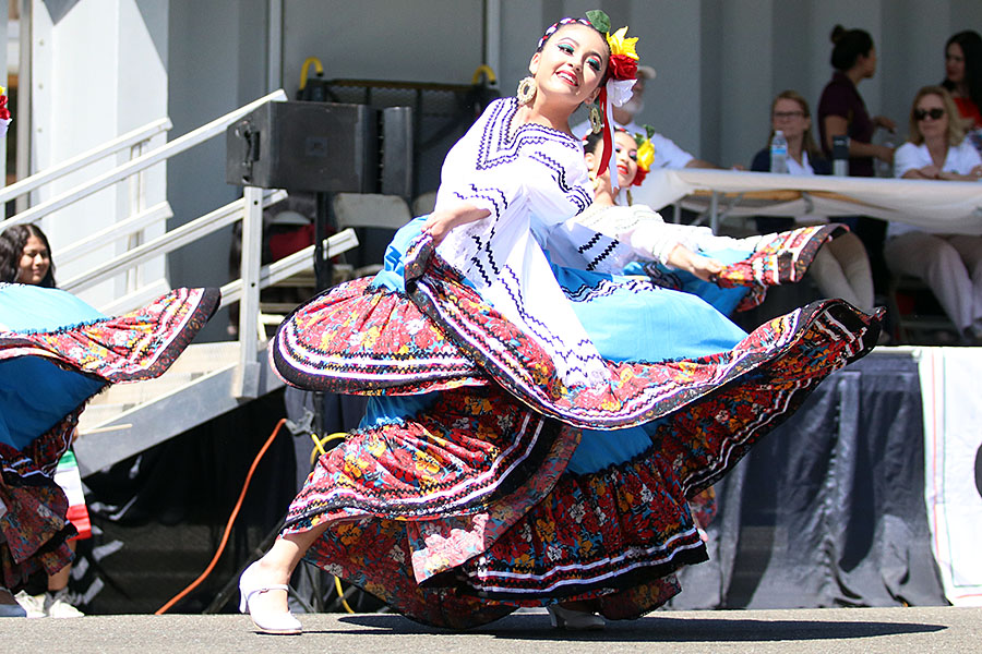 On Center street, the annual Cinco de Mayo parade began the celebration with numerous traditional dances from Mexico. Dances from Sinaloa, Michoacan and others entertained all.