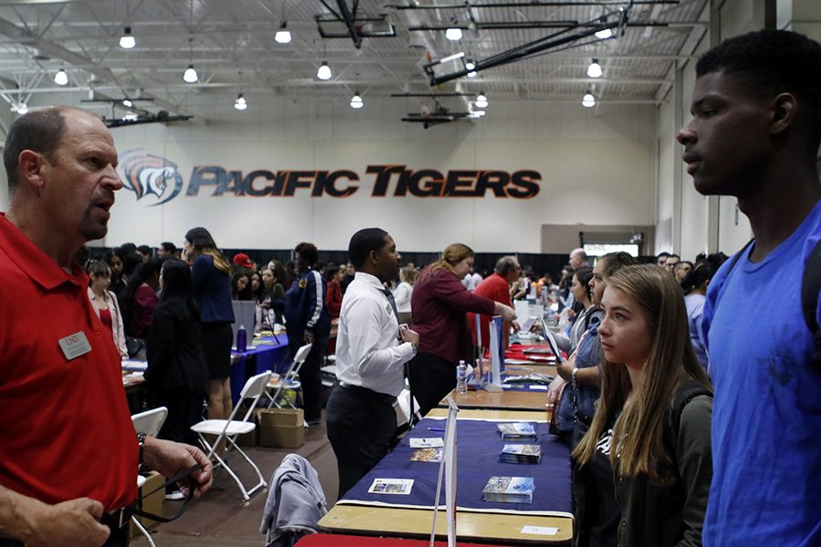 WEEKLY GALLERY: Stagg students attend WACAC college fair