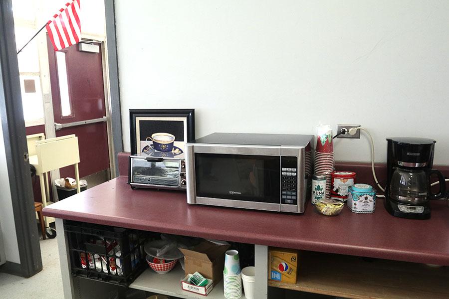 French+teacher+Deborah+Berg+has+a+lovely+kitchen+set+in+her+backroom.+