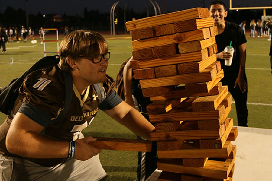 Senior+Dakota+Christian+focuses+while+he+plays+Jenga.